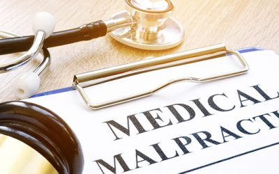 How a Medical Malpractice Lawyer Protects the Rights of Injured Patients